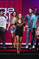 SÃO PAULO, SP, 04.03.2015 - MEGA FASHION WEEK - Sabrina Sato e Nicole Bahls desfilam no Mega Fashion Week, evento de moda que acontece em São Paulo (SP), na tarde desta quarta-feira (4). (Foto: Kevin David / Brazil Photo Press)