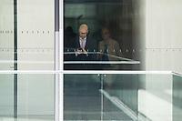 Dr. Peter Tauber, Parlamentarischer Staatssekretaer im Verteidigungsministerium, CDU, waehrend einer ausserordentlichen Sitzung der Fraktion nachdem es zwischen der CDU und der CSU zum Streit ueber den Umgang mit Fluechtlingen gab. Die Sitzung des Deutschen Bundestag wurde aufgrund dieses Streit auf Antrag der CDU/CSU-Fraktion fuer mehrere Stunden unterbrochen. Die Fraktionen von CDU und CSU tagten getrennt.<br /> Rechts im Bild: Armin Schuster, CSU, Vorsitzender des Amri-Untersuchungsausschuss.<br /> 14.6.2018, Berlin<br /> Copyright: Christian-Ditsch.de<br /> [Inhaltsveraendernde Manipulation des Fotos nur nach ausdruecklicher Genehmigung des Fotografen. Vereinbarungen ueber Abtretung von Persoenlichkeitsrechten/Model Release der abgebildeten Person/Personen liegen nicht vor. NO MODEL RELEASE! Nur fuer Redaktionelle Zwecke. Don't publish without copyright Christian-Ditsch.de, Veroeffentlichung nur mit Fotografennennung, sowie gegen Honorar, MwSt. und Beleg. Konto: I N G - D i B a, IBAN DE58500105175400192269, BIC INGDDEFFXXX, Kontakt: post@christian-ditsch.de<br /> Bei der Bearbeitung der Dateiinformationen darf die Urheberkennzeichnung in den EXIF- und  IPTC-Daten nicht entfernt werden, diese sind in digitalen Medien nach &szlig;95c UrhG rechtlich geschuetzt. Der Urhebervermerk wird gemaess &szlig;13 UrhG verlangt.]