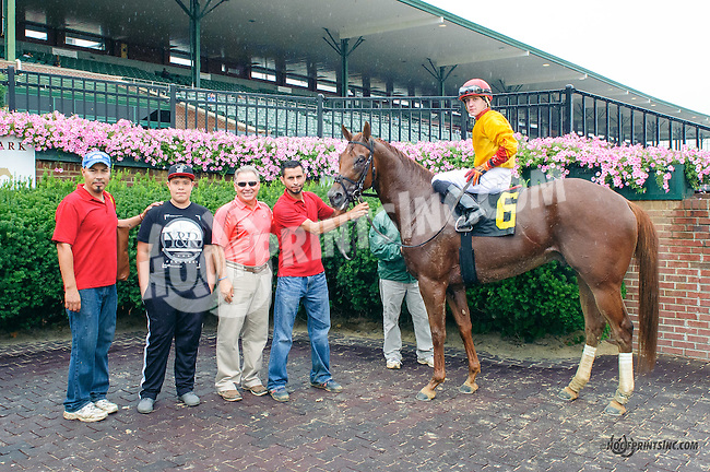 Summer Morn winning at Delaware Park on 8/9/15