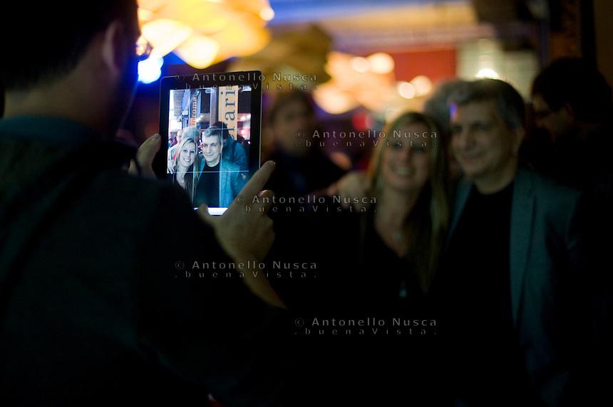 Nichi Vendola Presidente della Regione Puglia e leader di Sinistra Ecologia e Libertà si fa fotografare con una sua sostenitrice.