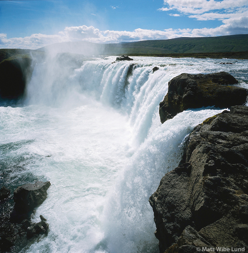 Goðafoss  í Skjálfandafljót. Þingeyjarsveit áður Ljósavatnshreppur / .Godafoss waterfall in Skjalfandafljot river. Thingeyjarsveit forver Ljosavatnshreppur.