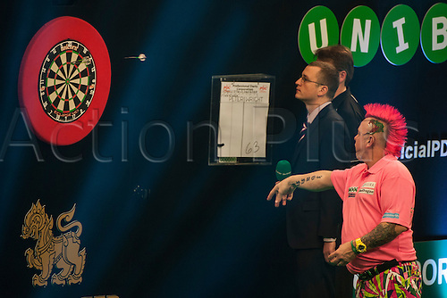 31.01.2016. ArenaMK, Milton Keynes, England. Unibet Masters Darts Championship.  Peter Wright [SCO] in action during his quarter final match against Phil Taylor [ENG]. Phil Taylor [ENG] won the match 10-9.