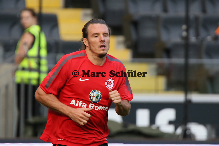 Alex MEier beim Straftraining nach dem Spiel - Eintracht Frankfurt vs. FC Augsburg, Commerzbank Arena