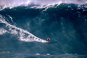 2018 Giant Wave Surfing Nazare Portugal Jan 6th