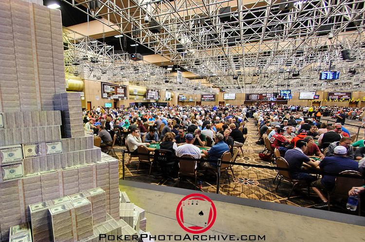 """Piles of """"cash"""" for the winner of Event 8: Millionaire Maker"""