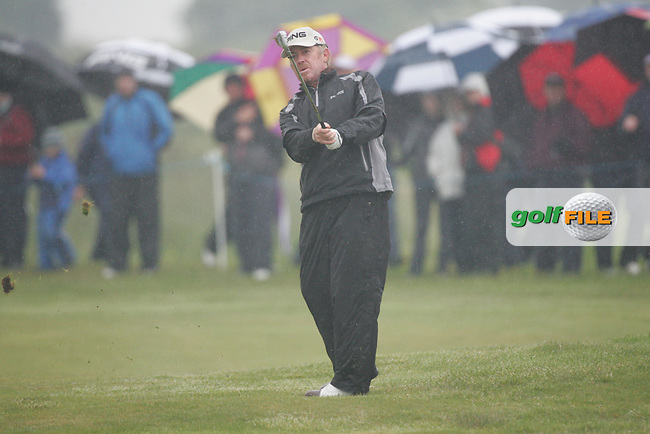 Day one from the 3 Irish open in Co Louth Golf Club..Miguel Angel JIMÉNEZ playing his third shot onto the 18th green..Photo: Fran Caffrey/www.golffile.ie..