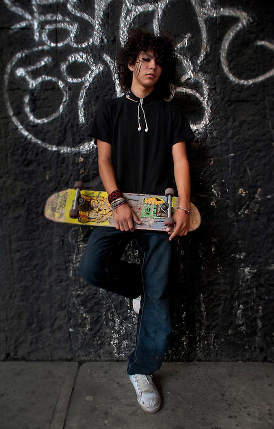 Dan Alexander Daniel Barragan, (18 years old). Portraits of Adolescents San Cosme skate park, in Mexico City. Releas #30