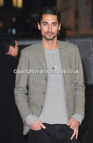 NON EXCLUSIVE PICTURE: PAUL TREADWAY / MATRIXPICTURES.CO.UK.PLEASE CREDIT ALL USES..WORLD RIGHTS..Made In Chelsea reality TV star Hugo Taylor attending the world premiere of Jack Reacher, held at the Odeon Leicester Square in central London...DECEMBER 10th 2012..REF: PTY 125852
