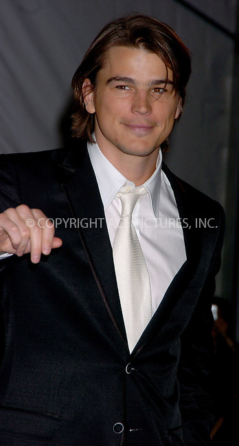 "WWW.ACEPIXS.COM . . . . .  ....NEW YORK, MAY 1, 2006....Josh Hartnett at the ""AngloMania"" Costume Institute Gala at The Metropolitan Museum of Art - Exits.. ....Please byline: AJ Sokalner - ACEPIXS.COM.... *** ***..Ace Pictures, Inc:  ..(212) 243-8787 or (646) 769 0430..e-mail: picturedesk@acepixs.com..web: http://www.acepixs.com"