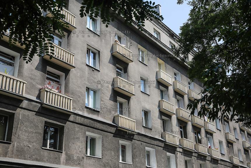 la città ideale progettata per gli operai della vicina acciaieria negli anni 50 Warsaw, Nowa Huta, the socialist ideal city designed for the workers of the nearby steel mill in the 50