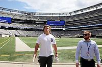 Markus Kuhn auf dem Feld des MetLife Stadium, der Heimspielstätte der New York Giants