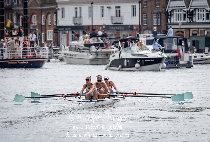 Henley Royal Regatta, Henley on Thames, Oxfordshire, 28 June - 2 July 2017.  Saturday  15:38:27   01/07/2017  [Mandatory Credit/Intersport Images]<br /> <br /> Rowing, Henley Reach, Henley Royal Regatta.<br /> <br /> The Women's Four<br />  Oxford Brookes University and Melbourne University, Australia v  New York Athletic Club, U.S.A.