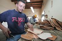 Carlos Guilevardo Yanes Chavez  saca las puntillas a las  (bolsas de la montura) en el ‡rea de pintura, monturas de lujo y en general.