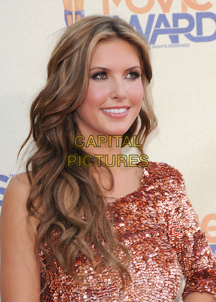 AUDRINA PATRIDGE.The 2009 MTV Movie Awards held at Universal Ampitheatre  in Universal City, California, USA..May 31st, 2009  .headshot portrait pink one shoulder jewel encrusted embellished sequins sequined .CAP/DVS.©Debbie VanStory/Capital Pictures.