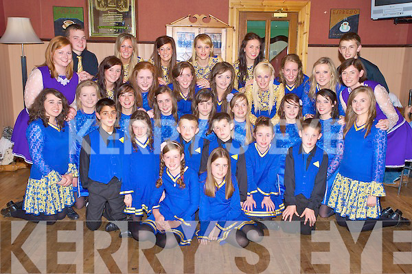 The Killarney Ceomhaltas set and ceili dancers who were winners and runners up in the recent Fleadh na hE?ireann held in Cavan, pictured at their celebration night in Darby O'Gills, Killarney on Friday night.