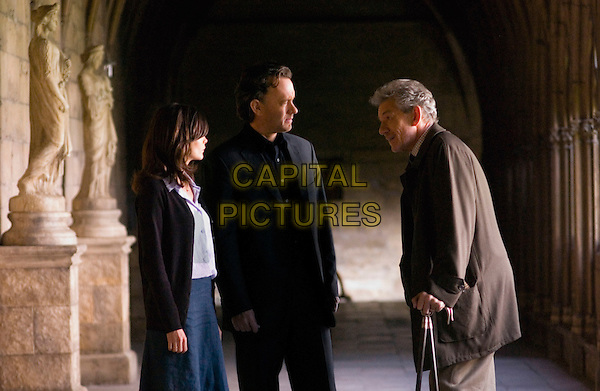 AUDREY TAUTOU, TOM HANKS & IAN McKELLEN.in The Da Vinci Code.Filmstill - Editorial Use Only.CAP/AWFF.www.capitalpictures.com.sales@capitalpictures.com.Supplied By Capital Pictures.