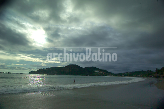 San Juan del Sur, uno de los atractivos turisticos de Nicaragua en el departamento de Rivas, cerca de la frontera con Costa Rica. Los turistas buscan playa, sol y la tranquilidad de este pequeno pueblo de pescadores.*San Juan del Sur, the main touristic atraction of southern Nicaragua, near the border with Costa Rica, in Rivas department. Tourist getting there seek for beach, sun and the peacefull pace of this fisherman smal town+tourism *San Juan del Sur, un des grands pôles touristiques au Nicaragua, dans le département de Rivas près de la frontière avec le Costa Rica. Les touristes trouvent plages, soleil et tranquilité dans ce petit village de pêcheurs. +pêche, tourisme