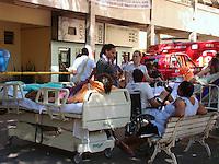 RIO DE JANEIRO, RJ 05 DE JULHO 2012 - INCÊNDIO NO HOSPITAL UNIVERSITÁRIO PEDRO ERNESTO DA UERJ. <br /> Nesta manhã de quarta feira (05), aconteceu um incêndio na ala do almoxarifado do Hospital Universitário Pedro Ernesto da UERJ ( Universidade do Estado do Rio de Janeiro) situado na Rua 28 de Setembro no bairro de Vila Isabel, zona norte do Rio. <br /> FOTO RONALDO BRANDÃO/BRAZIL PHOTO PRESS<br /> PACIENTES NO LADO DE FORA