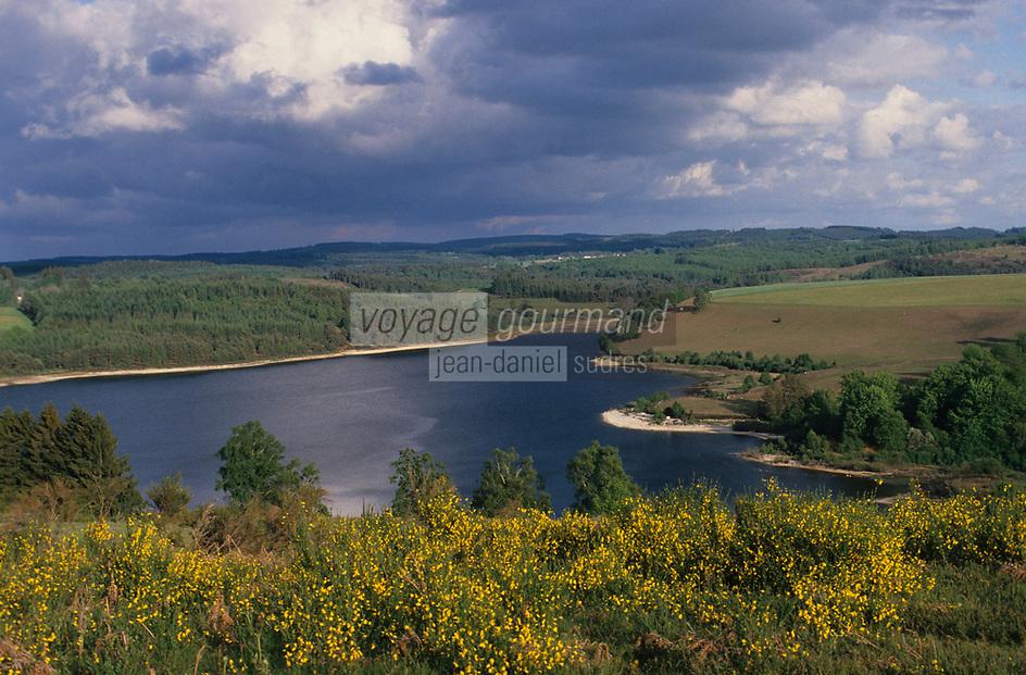Europe/France/Limousin/23/Creuse/Env Gentioux-Pigerolles: Le lac de Lavaud-Gelade