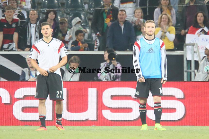 Kevin Volland und Shkodran Mustafi (D) - Deutschland vs. Kamerun, Mönchengladbach