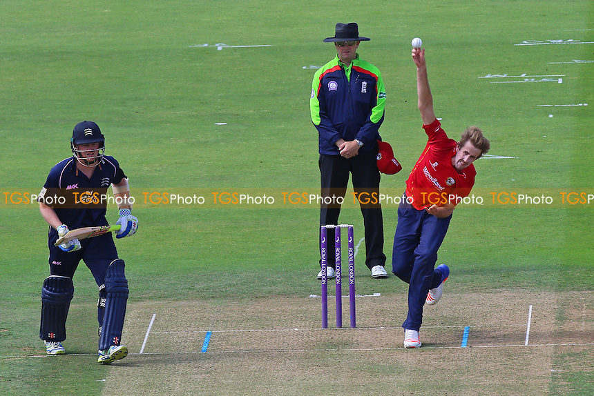 Matt Quinn in bowling action for Essex during Middlesex vs Essex Eagles, Royal London One-Day Cup Cricket at Lord's Cricket Ground on 31st July 2016