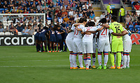 20170601 - CARDIFF , WALES : Lyon's team pictured with peptalk before a womensoccer match between the teams of  Olympique Lyonnais and PARIS SG, during the final of the Uefa Women Champions League 2016 - 2017 at the Cardiff City Stadium , Cardiff - Wales - United Kingdom , Thursday 1  June 2017 . PHOTO SPORTPIX.BE | DAVID CATRY