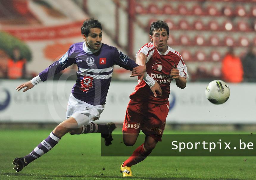 KV Kortrijk - Beerschot AC : Brecht Dejaegere (rechts) in duel met Dor Malul.foto VDB / BART VANDENBROUCKE