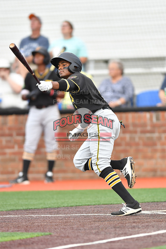 Bristol Pirates second baseman Nelson Jorge (6) swings at a pitch during a game against the Johnson City Cardinals at TVA Credit Union Ballpark on June 23, 2017 in Johnson City, Tennessee. The Pirates defeated the Cardinals 4-3. (Tony Farlow/Four Seam Images)