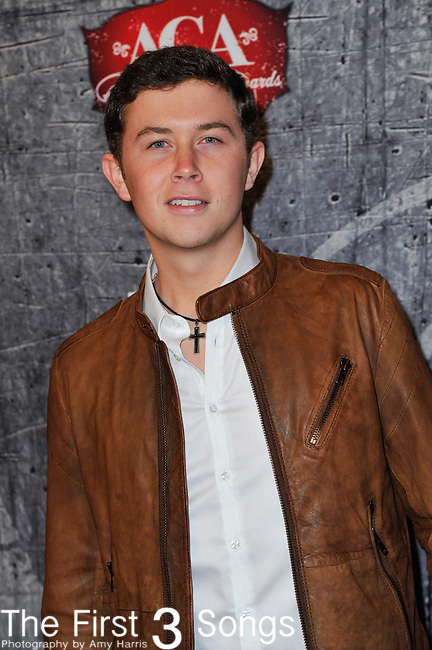 Scotty McCreery arrives at the American Country Awards 2012 at the Mandalay Bay Resort & Casion in Las Vegas, Nevada