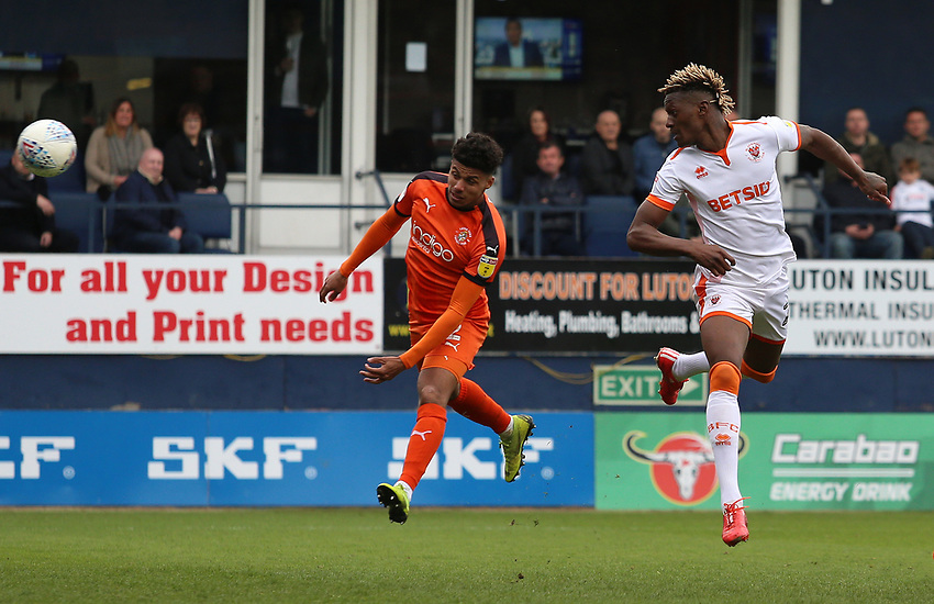 Blackpool's Armand Gnanduillet fires a header towards goal<br /> <br /> Photographer David Shipman/CameraSport<br /> <br /> The EFL Sky Bet League One - Luton Town v Blackpool - Saturday 6th April 2019 - Kenilworth Road - Luton<br /> <br /> World Copyright © 2019 CameraSport. All rights reserved. 43 Linden Ave. Countesthorpe. Leicester. England. LE8 5PG - Tel: +44 (0) 116 277 4147 - admin@camerasport.com - www.camerasport.com