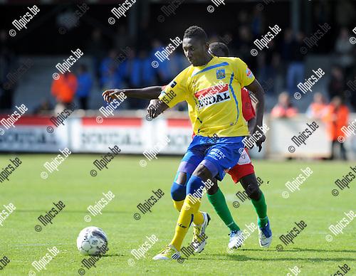 2013-04-28 / Voetbal / seizoen 2012-2013 / Westerlo-Oostende / William Owusu (Westerlo) aan de bal..Foto: Mpics.be