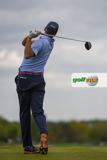 Matt Kuchar (USA) watches his tee shot on 2 during day 4 of the Valero Texas Open, at the TPC San Antonio Oaks Course, San Antonio, Texas, USA. 4/7/2019.<br /> Picture: Golffile | Ken Murray<br /> <br /> <br /> All photo usage must carry mandatory copyright credit (© Golffile | Ken Murray)