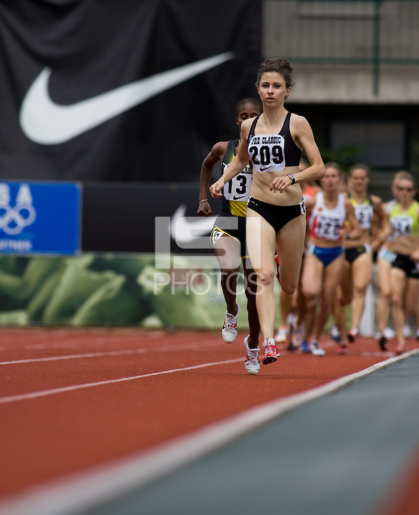 EUGENE, OR--Amber McGowan races in the womens 1500 during the Steve Prefontaine Classic, Hayward Field, Eugene, OR. SUNDAY, JUNE 10, 2007. PHOTO © 2007 DON FERIA