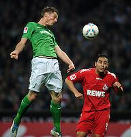 FUSSBALL   1. BUNDESLIGA   SAISON 2011/2012    12. SPIELTAG SV Werder Bremen - 1. FC Koeln                              05.11.2011 Markus ROSENBERG (li, Bremen) gegen Ammar JEMAL (re, Koeln)