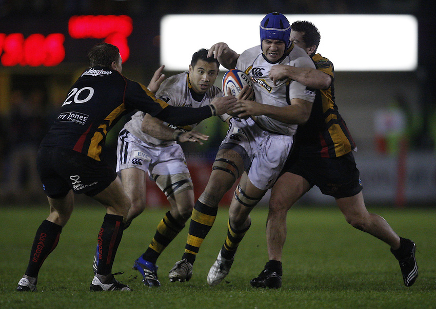 Photo: Richard Lane/Richard Lane Photography..Newport Gwent Dragons v London Wasps. EDF Energy Cup. 27/10/2007. .Wasps' Dan Leo attacks.