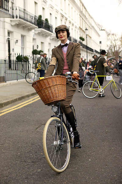 Erin O'Connor stops for tea on The King's Road during The Tweed Run