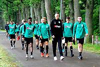 NORG - Voetbal, Trainingskamp FC Groningen, voorbereiding seizoen 2018-2019, 10-07-2018,  selectie op weg naar de training