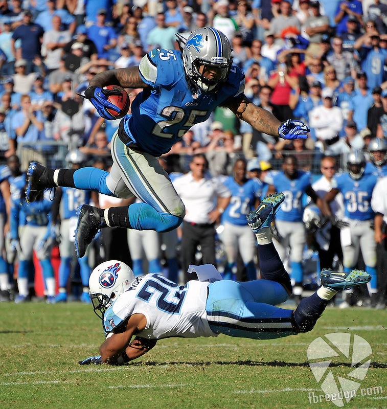 NASHVILLE, TN - SEPTEMBER 23:  Runningback Mikel LeShoure #25 of the Detroit Lions jumps over Ryan Mouton #29 of the Tennessee Titans at LP Field on September 23, 2012 in Nashville, Tennessee.  (Photo by Frederick Breedon/Getty Images) *** Local Caption *** Mikel LeShoure; Ryan Mouton