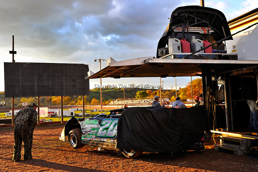 Oct 15, 2010; 6:16:11 PM;Mineral Wells,WV ., USA; The 30th Annual Dirt Track World Championship dirt late models 50,000-to-win event at the West Virginia Motor Speedway.  Mandatory Credit: (thesportswire.net)