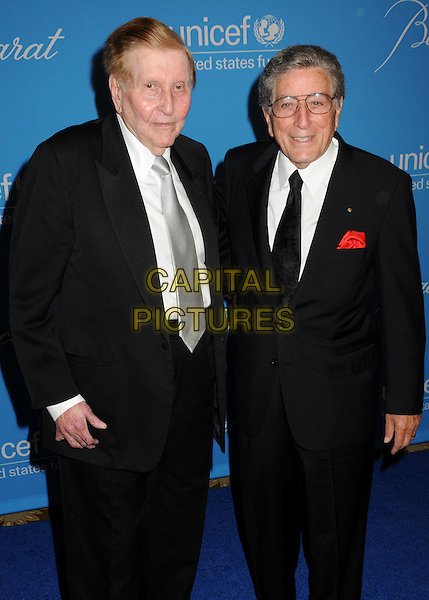 SUMNER REDSTONE & TONY BENNETT.UNICEF Ball 2009 Honoring Jerry Weintraub held at the Beverly Wilshire Hotel, Beverly Hills, California, USA..December 10th, 2009.half length black suit jacket.CAP/ADM/BP.©Byron Purvis/AdMedia/Capital Pictures.