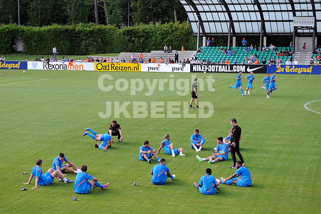 LAUSANNE - Trainingskamp Nederlands Elftal in Zwitserland in het Stade Juan-Antonio Samaranch, voorbereiding EK 2012, 23-05-2012, overzicht training