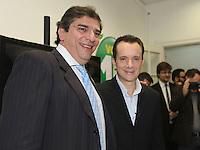 SÃO PAULO, SP, 21  DE AGOSTO DE 2012. ELEIÇÕES 2012 - CELSO RUSSOMANNO.  O candidato do PRB a prefeitura de São Paulo, Celso Russomanno (D) e o seu vice Luiz Flavio D'Uso,  inaugura o comitê central da sua campanha na avenida 9 de julho na zona Sul da capital paulista com o candidato a vice prefeito Luís Flávio D'Urso. FOTO: ADRIANA SPACA - BRAZIL PHOTO PRESS