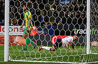 Bolton Wanderers' Gary O'Neil heads wide<br /> <br /> Photographer Andrew Kearns/CameraSport<br /> <br /> The EFL Sky Bet Championship - Bolton Wanderers v West Bromwich Albion - Monday 21st January 2019 - University of Bolton Stadium - Bolton<br /> <br /> World Copyright © 2019 CameraSport. All rights reserved. 43 Linden Ave. Countesthorpe. Leicester. England. LE8 5PG - Tel: +44 (0) 116 277 4147 - admin@camerasport.com - www.camerasport.com