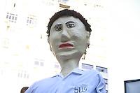 SAO PAULO, SP, 31.07.2013 - PROTESTO MÉDICO SP- Médicos, estudantes e residentes do estado de São Paulo durante a manifestaçnao que ocorre nesta quarta-feira (31) na região central de São Paulo, os manifestantes se dizem contra o Programa Mais Médicos, criado pelo Governo Federal, por meio da Medida Provisória 621. A manifestação teve início no estacionamento da sede da Associação Paulista de Medicina (Rua Francisca Miquelina, 67 – Sé), a passeata passará pelas Avenidas Brigadeiro Luiz Antônio, Paulista e descerão a Rua da Consolação até a sede do Conselho Regional de Medicina. (Foto: Marcelo Brammer / Brazil Photo Press).