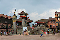 Nepal, Bhaktapur, earthquake damage.