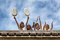 Roma, 23 Settembre  2014<br /> Manifestazione dei lavoratori dell&rsquo;Ospedale, S.Giovanni Calibita-Fatebenefratelli all&rsquo;Isola Tiberina,contro il taglio del salario del 20%, in tre anni  firmato dall&rsquo;azienda, con i sindacati dei medici. I lavoratori sul tetto dell'ospedale <br /> Rome, 23 September 2014 <br /> Workers' protest Fatebenefratelli Hospital at  Isola Tiberina, against the pay cut of 20% in three years signed by the company  with the unions of doctors. The workers on the roof of the hospital