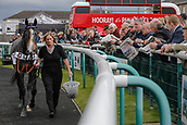 15th September 2017, Doncaster Racecourse, Doncaster, England; The William Hill St Ledger Festival, Gentleman's Day; Punters check out the horses before betting on the winner