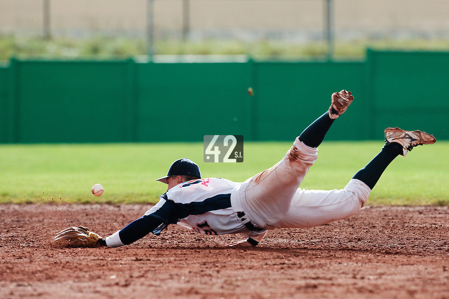 16 October 2010: Yann Dal Zotto of Savigny fails to catch the ball as he dives for during Rouen 16-4 win over Savigny, during game 1 of the French championship finals, in Savigny sur Orge, France.