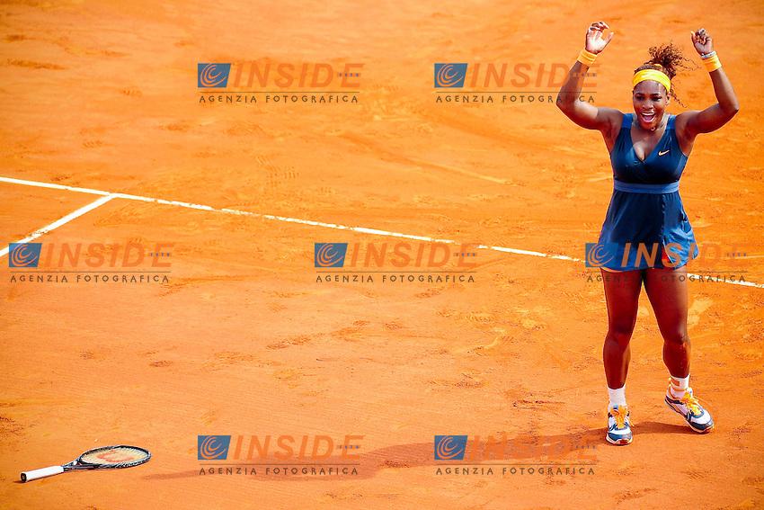 joie de Serena Williams (usa) <br /> Parigi 8/6/2013<br /> Tennis Roland Garros <br /> Serena Williams Vince il Roland Garros 2013 Finale <br /> Foto Panoramic / Insidefoto<br /> ITALY ONLY