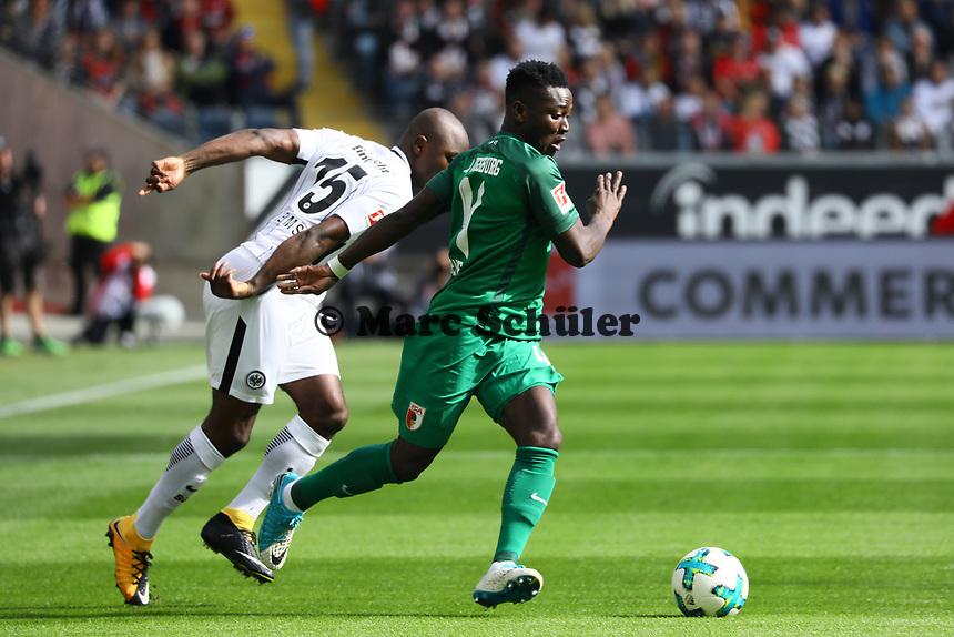 Jetro Willems (Eintracht Frankfurt) gegen Daniel Opare (FC Augsburg) - 16.09.2017: Eintracht Frankfurt vs. FC Augsburg, Commerzbank Arena